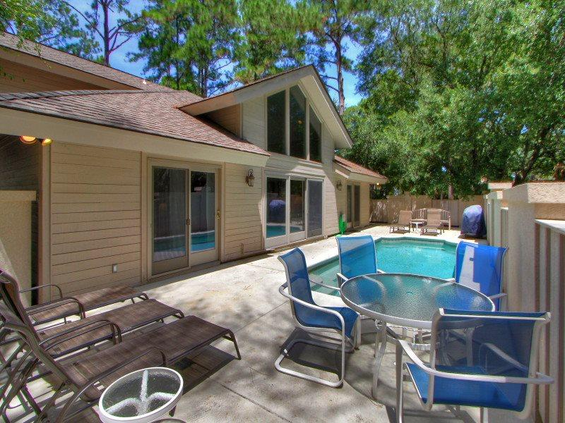 1 Gadwall - Enclosed Pool Area - 1 Gadwall - Sea Pines - rentals