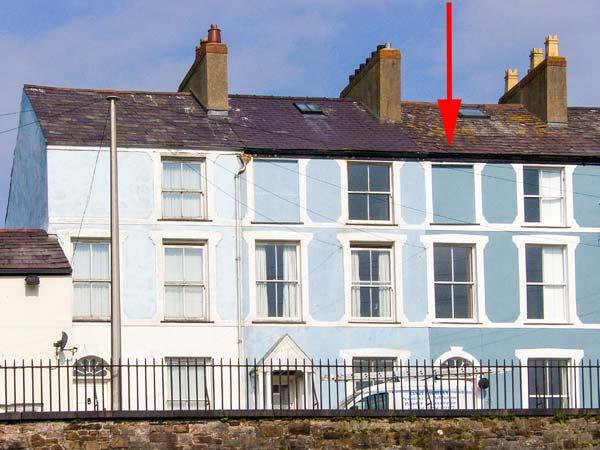 HONEY'S HOUSE, WiFi, patio with furniture, great base for climbing Snowdon, Ref 913140 - Image 1 - Caernarfon - rentals