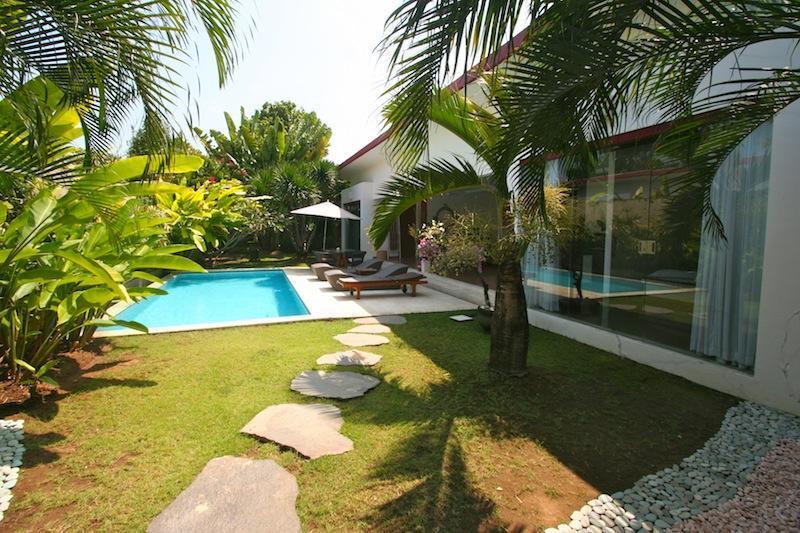 The Villa - Villa Badi at the beach with Welcome Breakfast - Seminyak - rentals