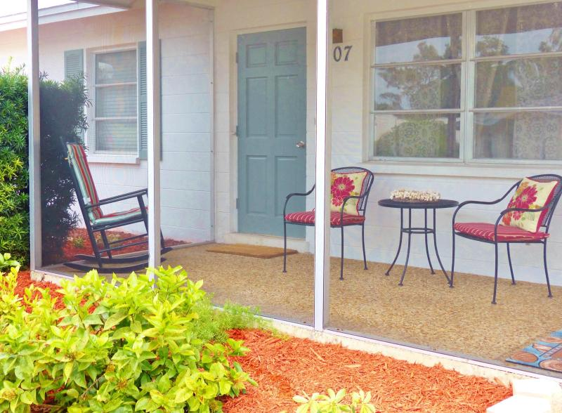 Front Porch Patio - Siesta Palma Villa - Polynesian Gardens on Siesta Key - Siesta Key - rentals
