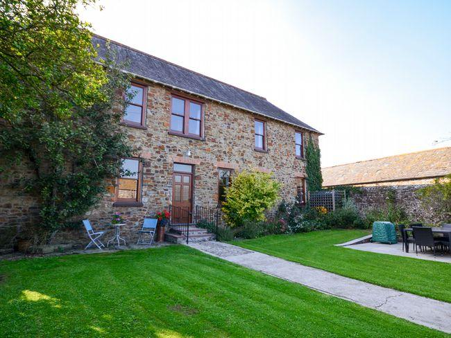 View of the property and walled garden - SSHAM - Stratton - rentals
