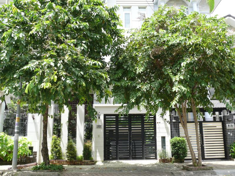 outside the house - 7 bedrooms luxury spacious villa 10 mins to Saigon - Ho Chi Minh City - rentals