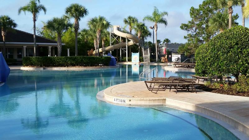 resort pool - Luxury Condo - close to pool - 2 miles to Disney - Orlando - rentals