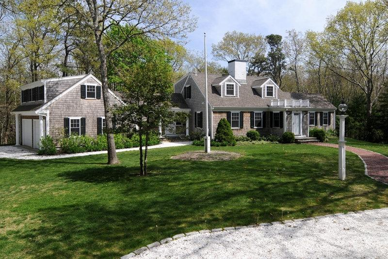 Secluded gem features great combination of exquisite home, ideal Location with beach and water rights! - 80 Blue Heron Dr - Osterville - rentals