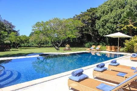 Contemporary Moon Dance with full staff, beach access & golf course views - Image 1 - Sandy Lane - rentals