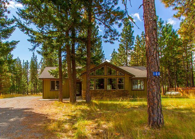 Welcome to Wilderness Lodge - Must See Vacation Home! 3BR|Slps 9|Hot Tub|Book 2 Get 3rd NT FREE! - Ronald - rentals