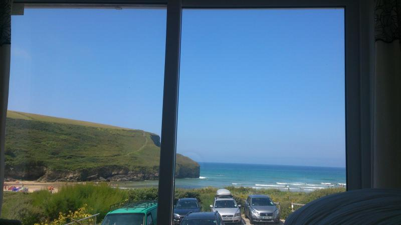 View from bed !!! New panoramic window-view from bed! - Seaview house, mawgan porth, nr Watergate Bay - Mawgan Porth - rentals