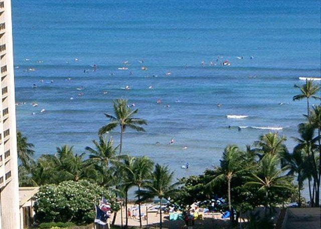 Spectacular ocean views - One-bedroom with ocean views and central AC; 5 min. walk to beach. Sleeps 4. - Waikiki - rentals