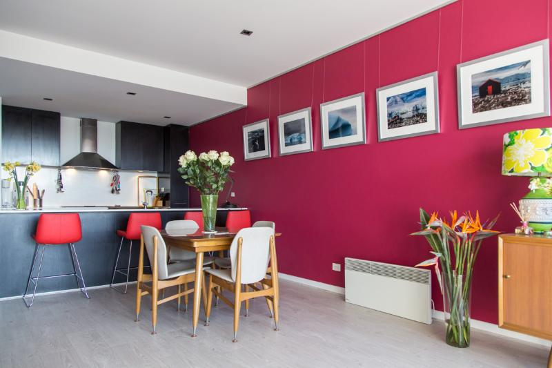 combined living area - What's new in Sydney? Fab place, close location - Sydney - rentals