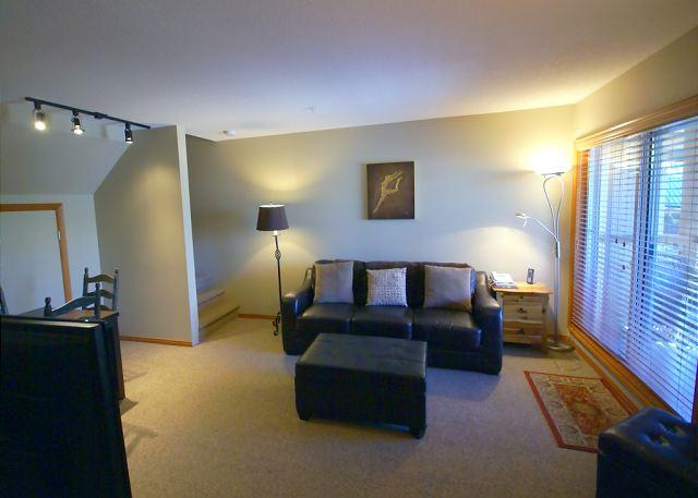 Living Room - Glaciers Reach 18 - Condo with private hot tub located Whistler North Village - Whistler - rentals