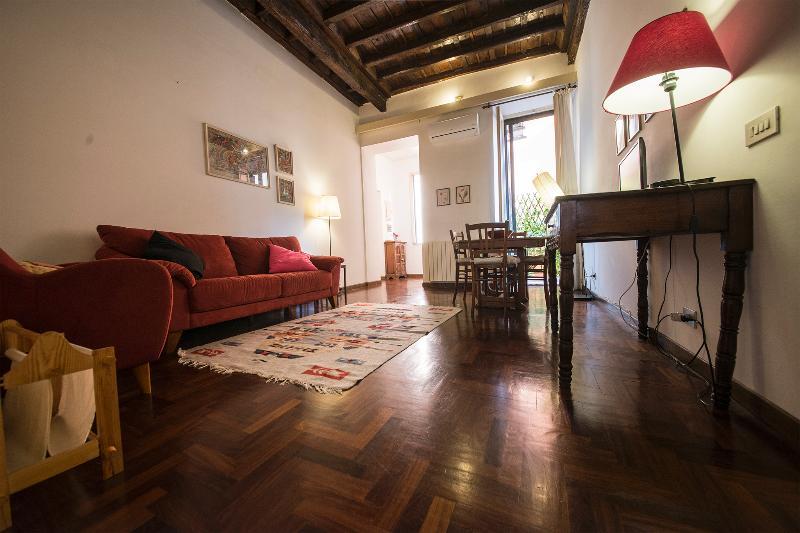 La Dolce Vita Apartment - Image 1 - Rome - rentals