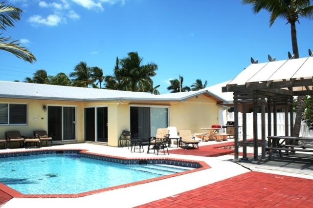 Pool area - Tarpon's Trail, single family home with pool, # 75 - Key Colony Beach - rentals
