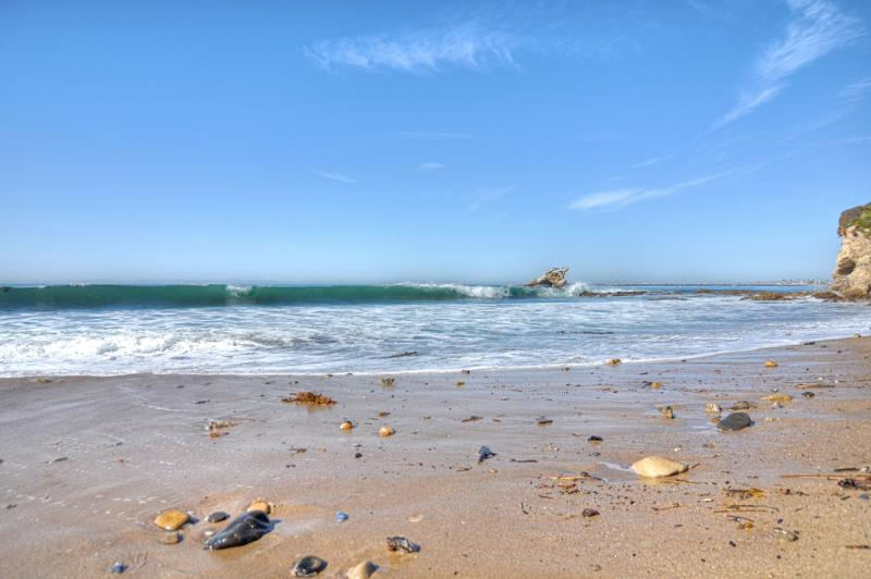 Local area, Newport Beach - Coastal Condo 1 block to beach in Corona Del Mar! - Corona del Mar - rentals