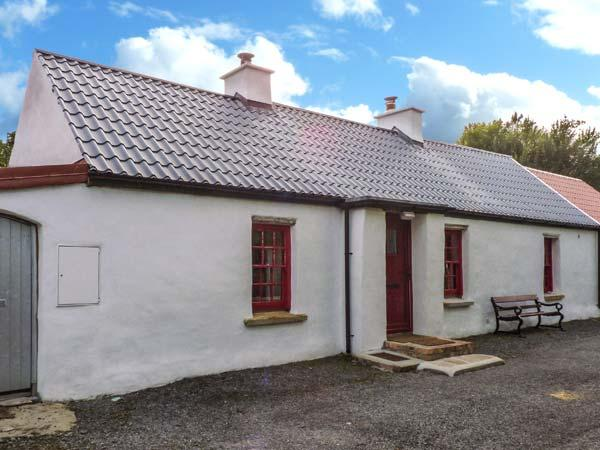 WILLOWBROOK COTTAGE, single-storey cottage, close fishing, countryside, in Askill near Bundoran, Ref 20421 - Image 1 - County Leitrim - rentals