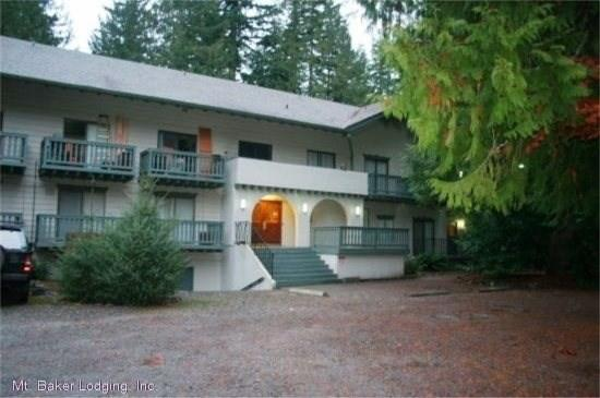 Snowline Lodge - Snowline Lodge - Condo #37 - A very cute condo - close to the mountain! Now has WIFI! - Glacier - rentals