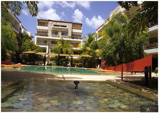 OPEN AIR LIVING & DINING ROOM AREA WITH JACUZZI. FULL EQUIPPED.GREAT LOCATION - Image 1 - Playa del Carmen - rentals
