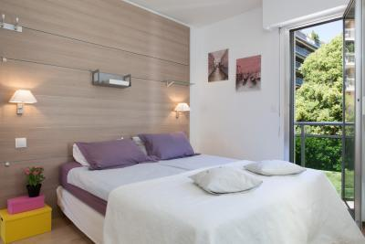 Velasquez 1 Bedroom Flat with a Balcony, in the French Riviera - Image 1 - Cannes - rentals
