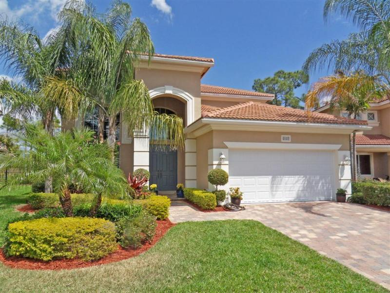3 Bedroom Options Available - 3 Bedroom Silver Star Pool Home Near Disney - Kissimmee - rentals