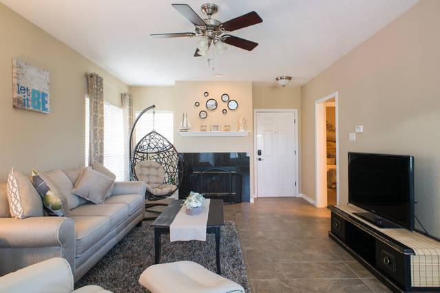 Nice and bright Living room - Beautiful Villa with Lake views at The Island - Lago Vista - rentals