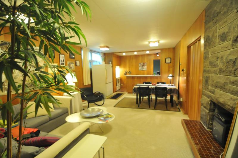 Beautifully decorated apartment! - Image 1 - Quebec - rentals