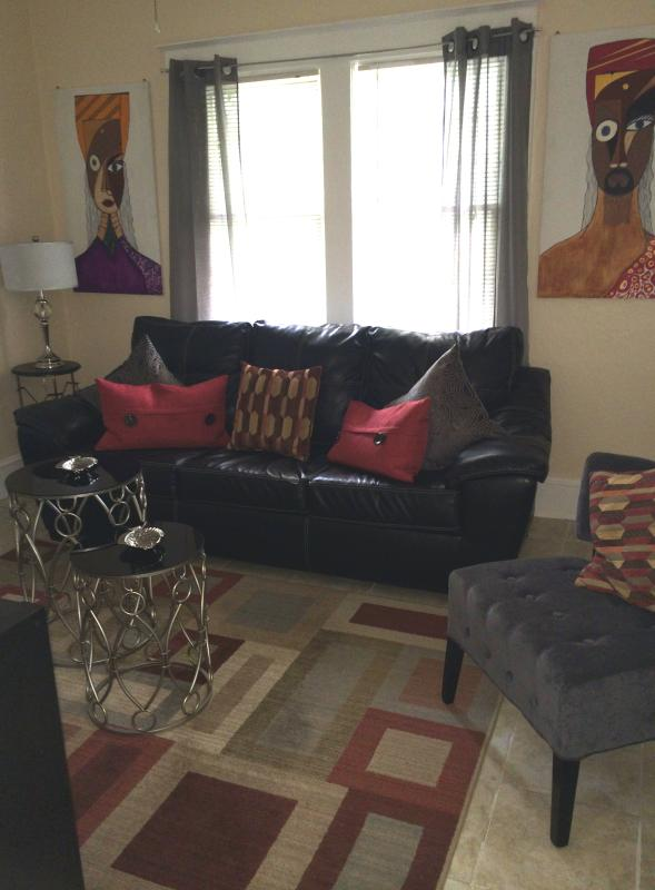 Living Room - 2 bedroom apartment in the heart of Miami. - Coconut Grove - rentals