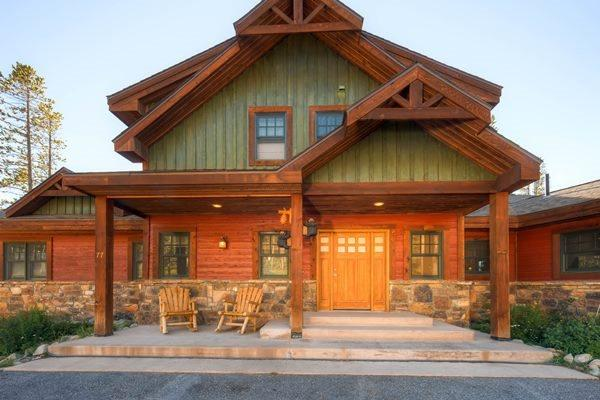 Outside view of the front of the Blue Jay Home. - Blue Jay Home - Breckenridge - rentals