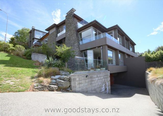 Adelaide Lakeside Apartment - Image 1 - Queenstown - rentals