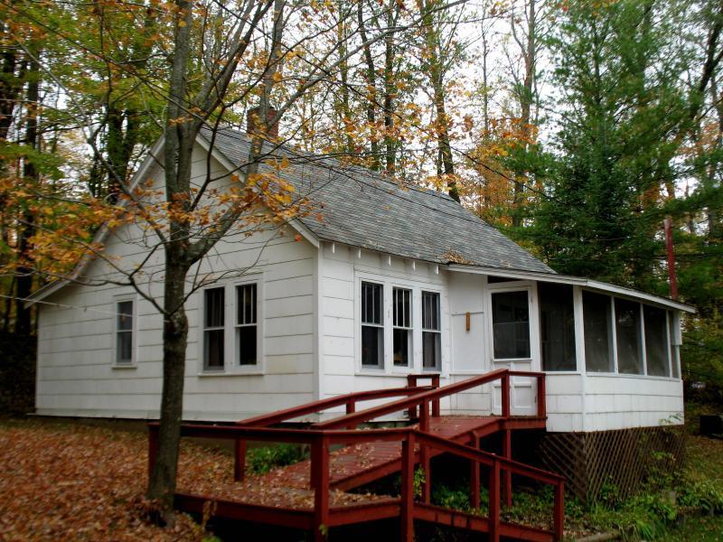 Cabin #1 - Lakeside first cabin - Hayward - rentals