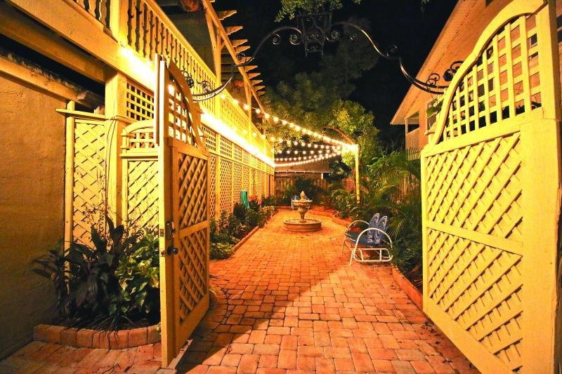 VOTED #1 BY SRQ MAGAZINE- Poet Carriage House (S) - Image 1 - Sarasota - rentals