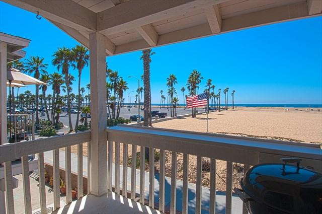 Balcony view to the beach and Balboa Pier - 414 B East Oceanfront- Upper 2 Bedrooms 2 Baths - Newport Beach - rentals