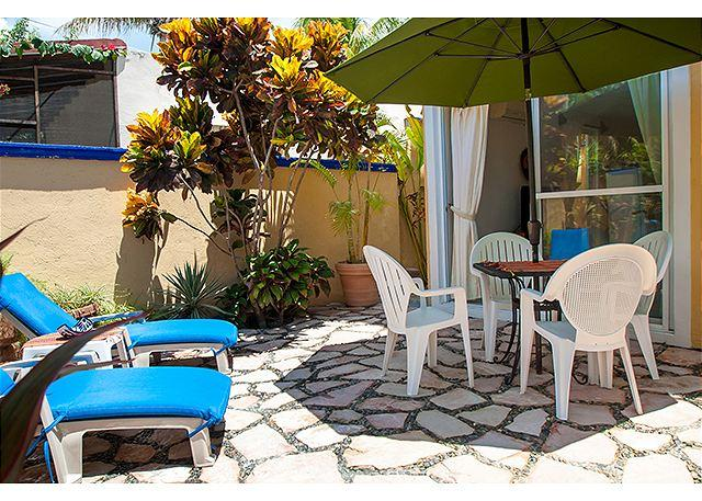 Large, comfortable 1 bdrm with private courtyard - Image 1 - Puerto Morelos - rentals