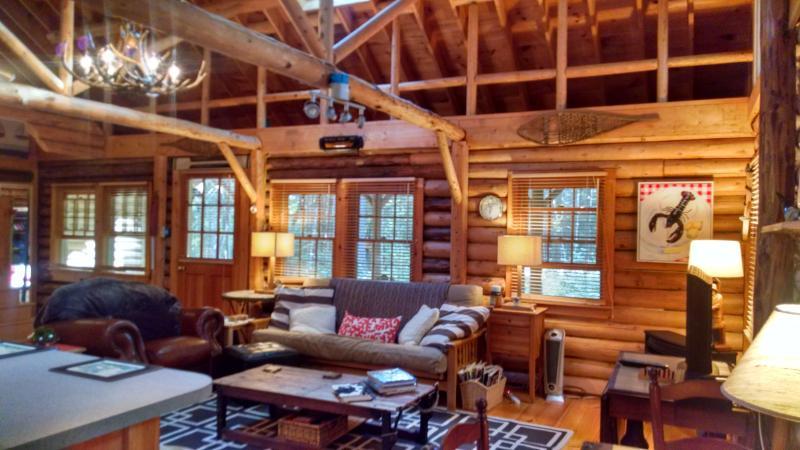 Cedar Log Cabin in Boothbay Harbor, Maine - Image 1 - Boothbay Harbor - rentals