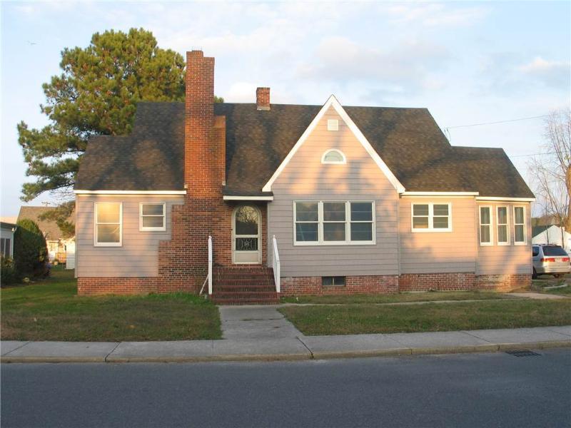 Poppy's House - Image 1 - Chincoteague Island - rentals