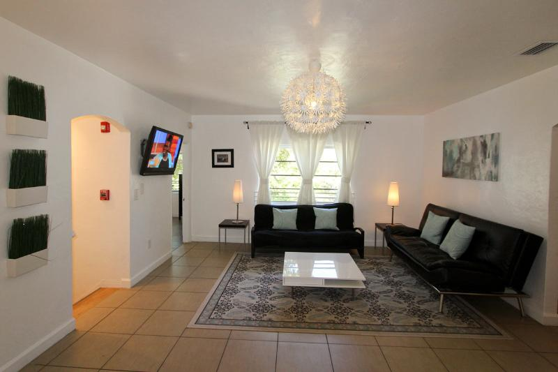 Casa Gaby - 4 Bedroom. Promo: All Sept.$1540/wk - Image 1 - Miami Beach - rentals