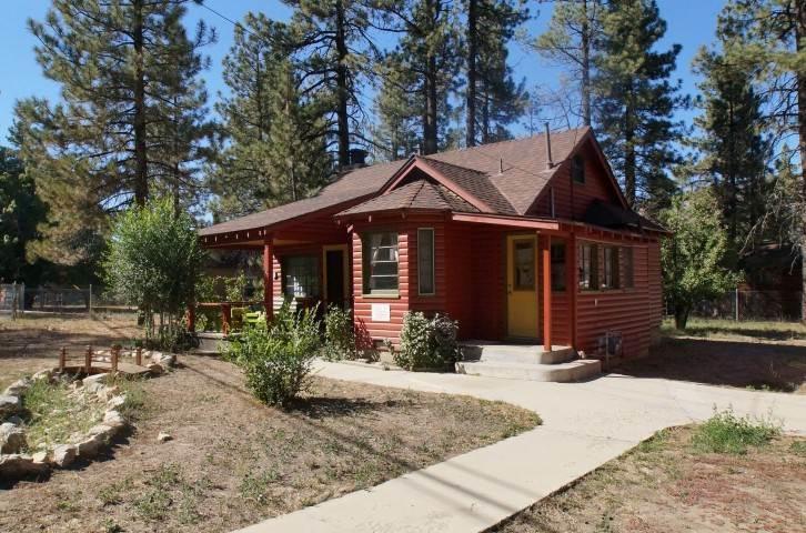 A Sweet Pine Cabin - Image 1 - Big Bear City - rentals
