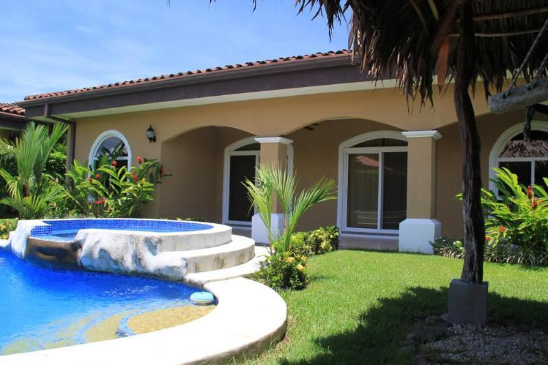 Beautifully landscaped backyard with private pool and hammock area! - EcoVida Casa Perfecta with Pool at Playa Bejuco - Playa Bejuco - rentals