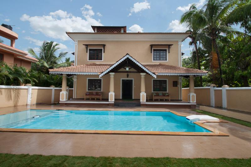 7BHK Luxury Villa with Private Swimming Pool - Image 1 - Calangute - rentals