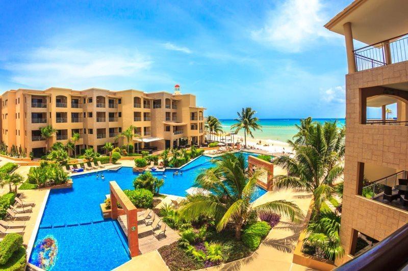 Ocean Front Condo with Sunrise and Ocean Breeze! - Image 1 - Playa del Carmen - rentals
