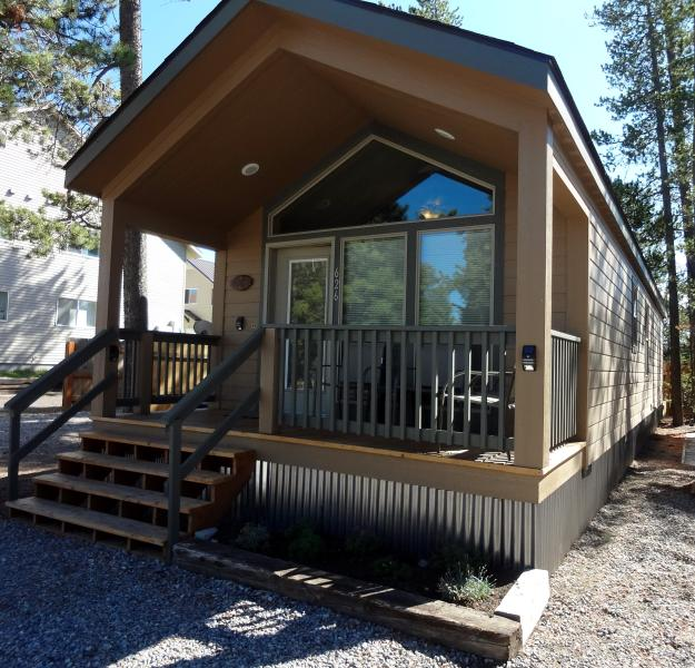 Front view - Whiskey Springs Cabins #2- MAY SPECIAL!! - West Yellowstone - rentals