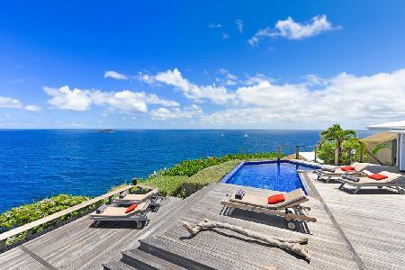 Beautiful Villa Domingue has dramatic ocean views, fitness room and housekeeping - Image 1 - Pointe Milou - rentals