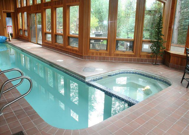 7 Shamrock - Luxurious Sunriver Home with Private Pool and Large Deck Near Fort Rock Park - Sunriver - rentals