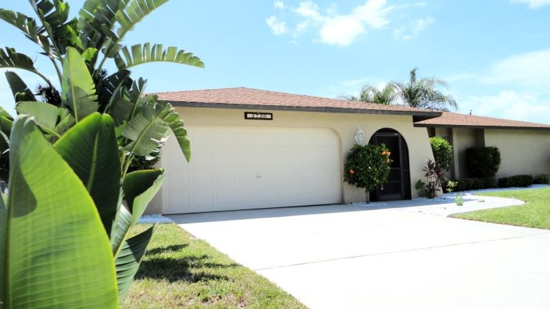 Villa Ocean Breeze - Villa Ocean Breeze with Pool and tropical Garden - Cape Coral - rentals