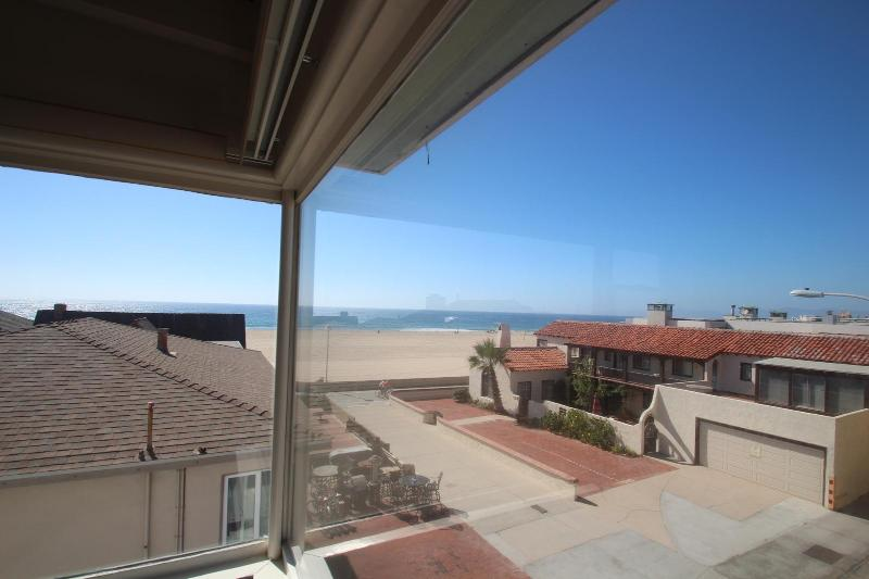 Your view from the living room. - Oceanview on a walkstreet! - Hermosa Beach - rentals