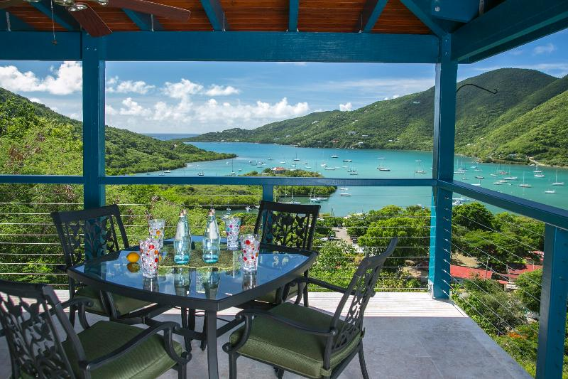 Spectacular Coral Bay Views & Private Pool - Image 1 - Coral Bay - rentals