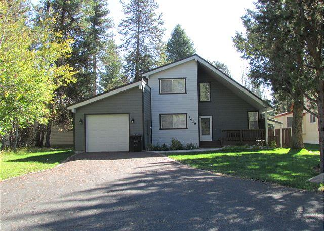 Peaceful Cabin located on the MCCall Golf Course with Private Hot tub! - Image 1 - McCall - rentals