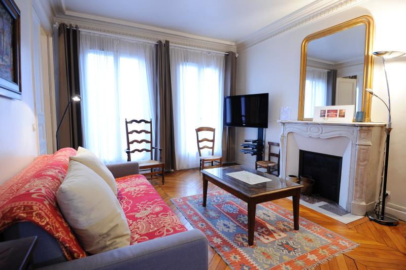 Wonderful 5th Floor 2 Bedroom Apartment in Paris - Image 1 - Paris - rentals