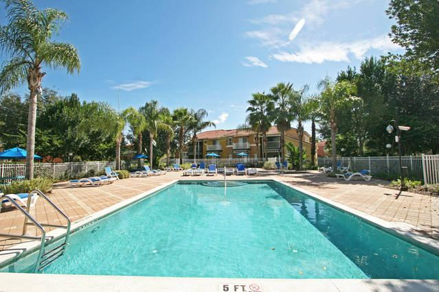 Minutes to Disney, Beautiful 3BR Townhome in EMERALD ISLAND Resort - Image 1 - Kissimmee - rentals