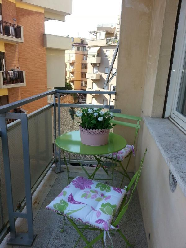 balcony - Rome seaside apartment 150m from sea - Rome - rentals