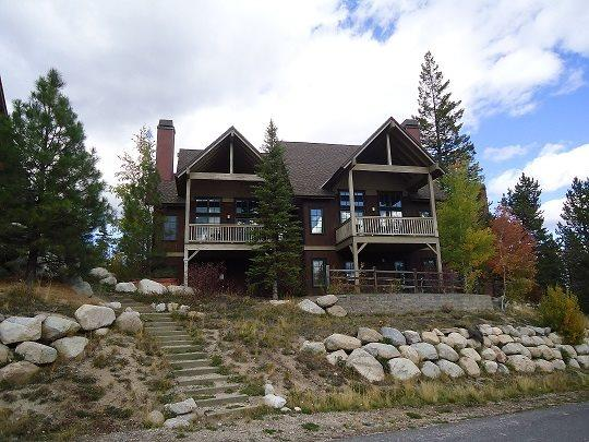 Three-story townhome overlooking the main lift at Tamarack - Goldenbench 27 - Three Bedroom, Three Bedroom Townhome. Sleeps 8. WIFI. Pet Friendly - Tamarack Resort - rentals