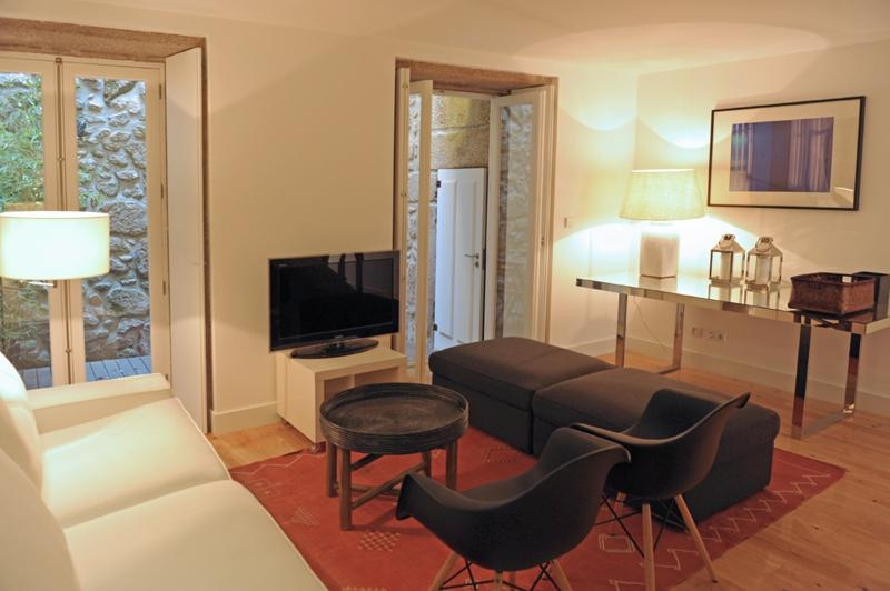 Mo House in Porto for 8 with terrace - Image 1 - Porto - rentals